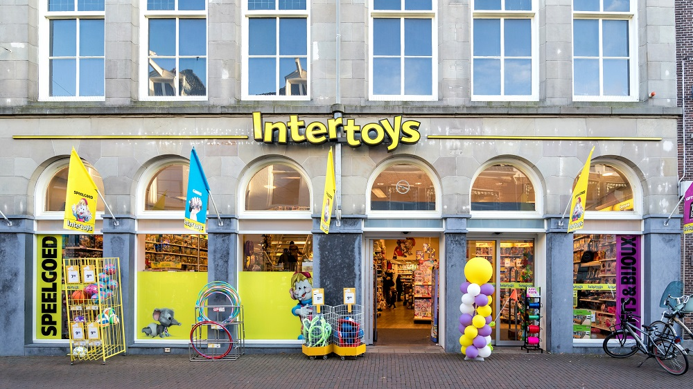 Intertoys in Portugese handen